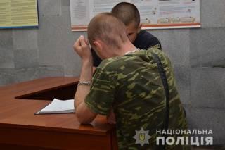 В Тернополе мужчина с балкона стрелял в полисвумен. Ей предстоит операция
