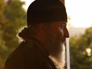 «Великий последователь великого предшественника». Тысячи верующих УПЦ поздравляют Митрополита Онуфрия