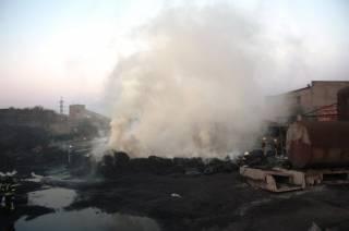 Экологическое ЧП в Запорожье: на предприятии по переработке резины бушевал гигантский пожар