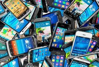 Как оказалось,  на экране смартфона в десять раз больше бактерий, чем на сиденье туалета