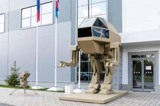 Соцсети высмеяли имперского прямоходящего робота от «Калашникова»