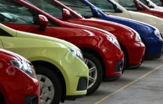 Украинцам с долгами за коммунальные услуги и алименты запретили продавать свои авто