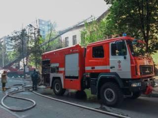 В Киеве горела типография. По слухам, здание подожгли застройщики