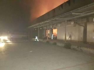 Масштабный пожар на Закарпатье: сгорели склады «Новой почты»