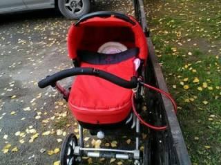В Харькове непутевая мамаша «забыла» малыша на детской площадке