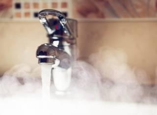 Киевлянам рассказали, когда в их кранах снова может появиться горячая вода