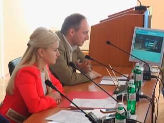 Как не помогать Украине: Игорь Райнин, знаменитая Юлия Светличная и Шувал и их надувное представительство Харьковской области в США