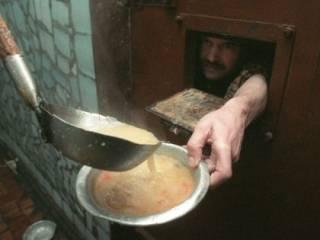 В бориспольской колонии заключенных кормили едой с кишечной палочкой