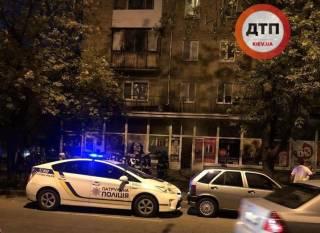 В Киеве ограбили книжный магазин и пытались сжечь продавца