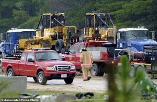 В США частный самолет рухнул на военную базу – есть погибшие