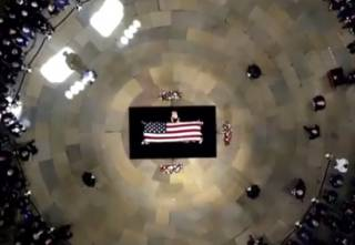 В США похоронили сенатора Маккейна. Визит Порошенко уже назвали «последним посланием» политика
