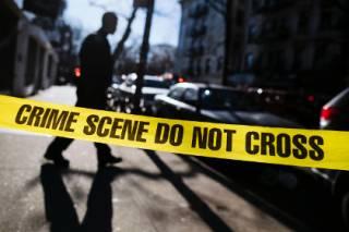 В США неизвестный открыл стрельбу по игрокам в кости и их детям