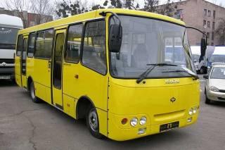 В Киеве пассажир выкинул своего оппонента из маршрутки и оставил умирать на обочине