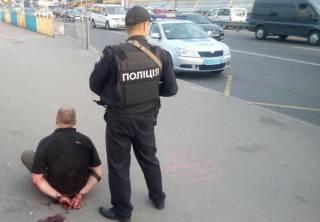 В Киеве отморозок устроил стрельбу в троллейбусе с людьми