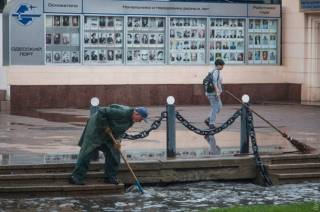 Мощный ливень затопил Одессу. Местные жители делятся видео