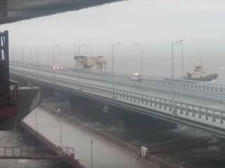 На Крымском мосту произошло форс-мажорное ЧП