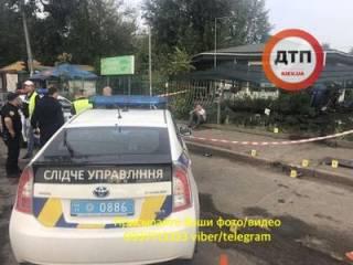 В Киеве водитель насмерть сбил пешехода и попытался скрыться