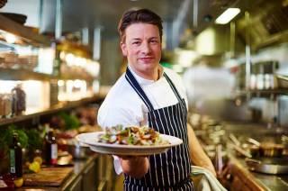 Известный повар Джейми Оливер мастерски справился с грабителем в своем особняке, чем удивил лондонский бомонд