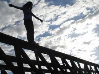 В Житомире подросток покончил с собой, прыгнув с моста. «Момо» здесь ни при чем