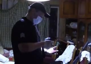 В Киеве молодой парень несколько дней жил в одной квартире с трупом мужчины, которого сам же и убил