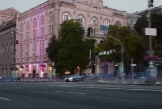 Японцы сняли рекламу своего премиум-автомобиля в «футуристическом» Киеве