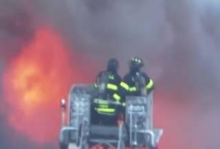 Огненный апокалипсис в США: из-за взрыва газа вспыхнули десятки домов
