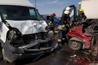 В Днепре из-за ямы на дороге произошло жуткое ДТП – есть погибшие