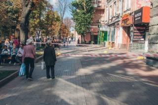 В самом центре Киева обрушился фасад исторического здания