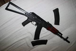 Из воинской части на Житомирщине неизвестные похитили 5 автоматов Калашникова и 5 пистолетов