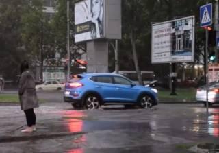 Непогода в Украине: обесточены сотни населенных пунктов, подтоплены Одесса и Николаев