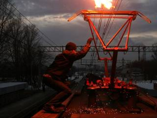 Веселая игра подростков на крыше поезда под Одессой закончилась трагедией