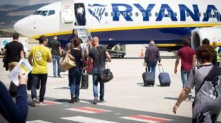 Бортпроводники Ryanair объявляют забастовку. В Европе отменяются почти 200 рейсов