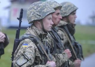 Стало известно, сколько тысяч украинцев призовут на срочную военную службу этой осенью