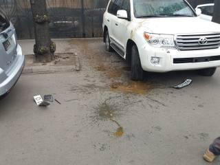 В Киеве облили фекалиями автомобили российских дипломатов