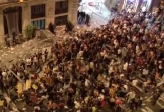Протесты в Барселоне завершились кровавым побоищем