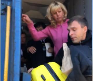 Накануне очередного повышения цен представители «Укрзализныци» вышвырнули пассажира из идущего поезда