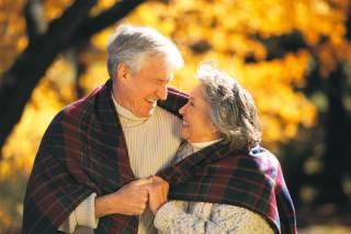 Американские исследователи объяснили, почему женщины стареют медленнее мужчин