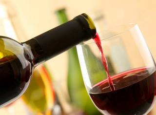 Как оказалось, пить вино – не так уж и полезно
