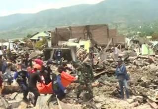 Жуткое землетрясение в Индонезии: число жертв стремительно растет