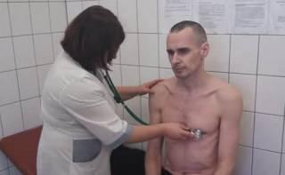 Денисова подтвердила, что Сенцов прекратил голодовку. И объяснила, что это значит