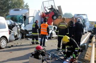 В Сербии произошло масштабное ДТП: столкнулись 34 автомобиля, погибли 7 человек