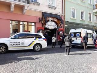 В Черновцах банда «гопников» средь бела дня расстреляла мужчину