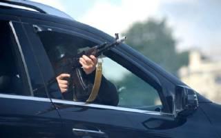 На Херсонщине неизвестные расстреляли автомобиль с людьми
