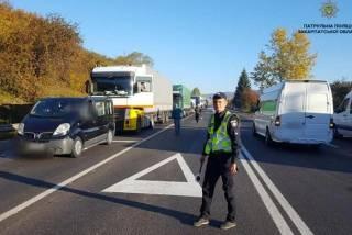 Водители по всей Украине оригинально протестуют против повышения цен на бензин