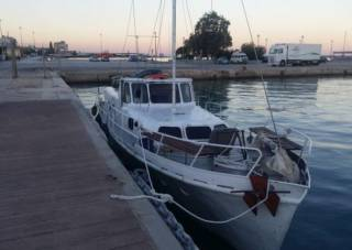 У берегов Греции задержали украинскую яхту с нелегалами. Но пограничники говорят, что наши сограждане не виноваты