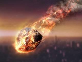В Японии на жилой дом рухнул метеорит