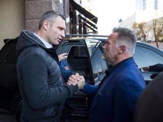 В Киев зяглянул «Терминатор». И променял «робо-бабу» на Кличко