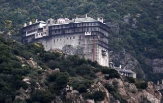 Из-за самоуправства Константинополя православные больше не смогут молиться на горе Афон