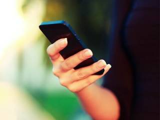 В Индии создали уникальный смартфон без экрана