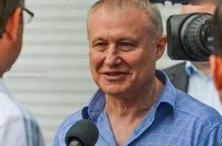 Суркис пытается заблокировать строительство футбольных полей в Украине